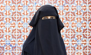 Aaliya Shakoor stands beside the Library/Learning Crossroads building of Pierce College in Woodland Hills, Calif., on Nov. 10, 2014. Shakoor is a Pierce College education major who wears a burka as part of her muslim faith. Photo: Nicolas Heredia