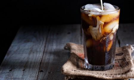 giati-na-dokimaseis-ti-nea-tasi-sto-kafe-to-cold-brew