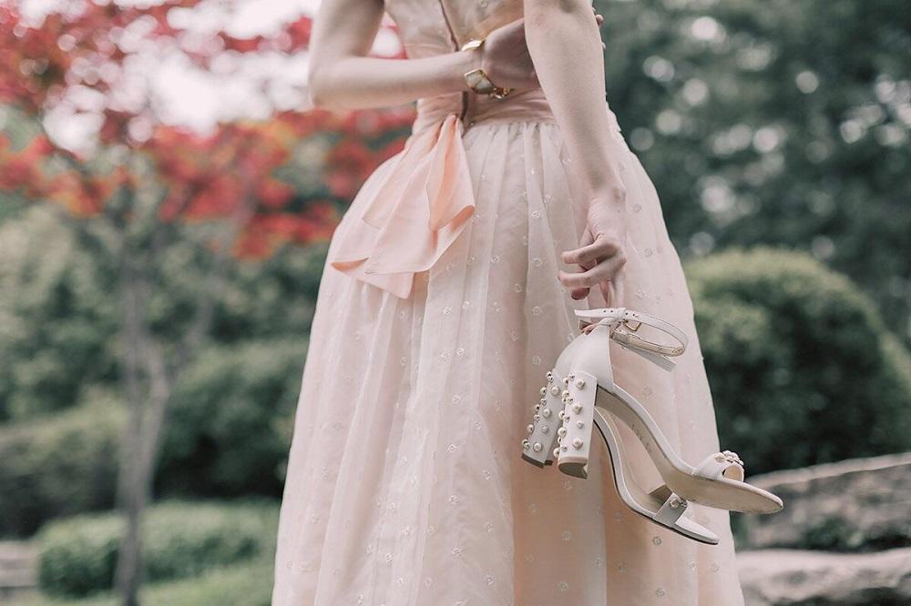 Τι να φορέσεις για να εντυπωσιάσεις σε έναν καλοκαιρινό γάμο - yang.gr 55b1da30e27