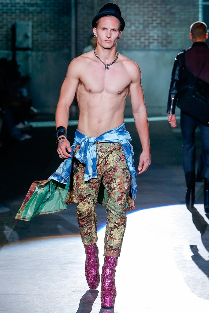 Dsquared2_ss17_fy21
