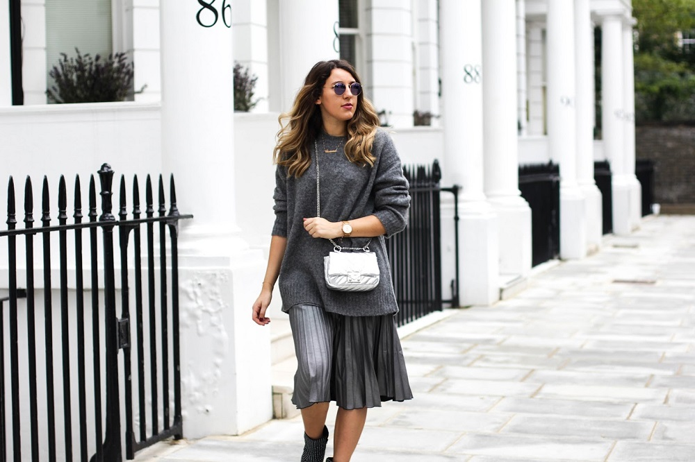 4 στυλιστικά tips για να φορέσεις την πλισέ φούστα σου - yang.gr ef4f832df1b