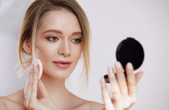 Face Powder Tips 1 - Πώς να διατηρήσεις το μακιγιάζ σου όλη τη διάρκεια της ημέρας